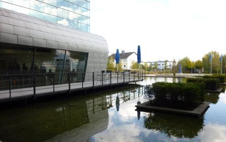 DFS Campus mit Außenterrasse - wie schön muss das erst im Sommer sein